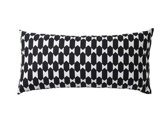 20 coussins graphiques ultra tendance elle d coration. Black Bedroom Furniture Sets. Home Design Ideas