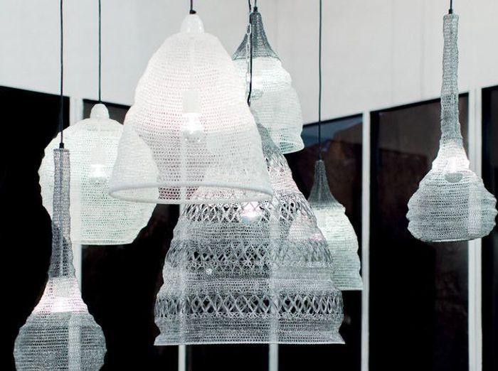 La suspension en maille ce luminaire qui illumine nos for Meuble blanc d ivoire