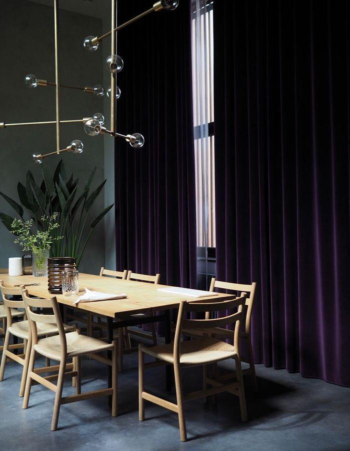 Une salle à manger majestueuse