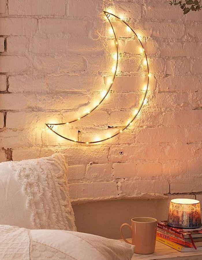 Un croissant de lune lumineux pour une déco cocooning