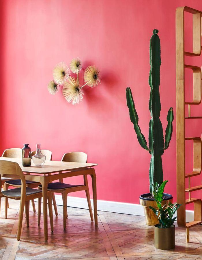 Un mur peint dans une teinte chaude