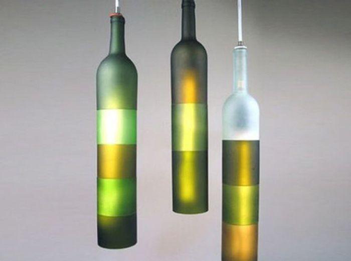 Les bouteilles en verre relook es en objets d co elle for Achat de decoration
