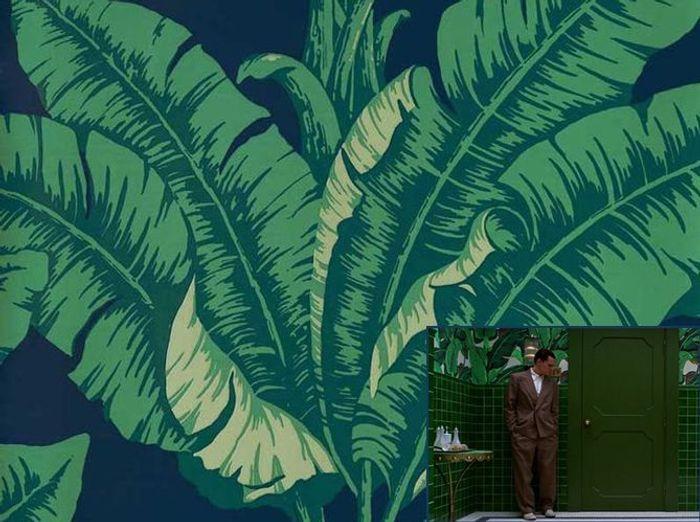 Un papier peint tropical comme dans Aviator (2004)