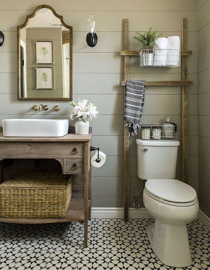 Carreaux de ciment style campagne dans la salle de bains