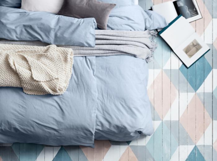 Un parquet réveillé par des motifs graphiques et pastel