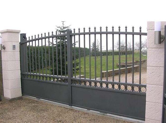 Un portail pour tous les styles elle d coration for Peinture pour portail en fer