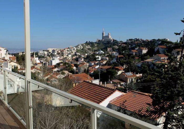 Appartement avec vue sur Notre Dame de la Garde à Marseille