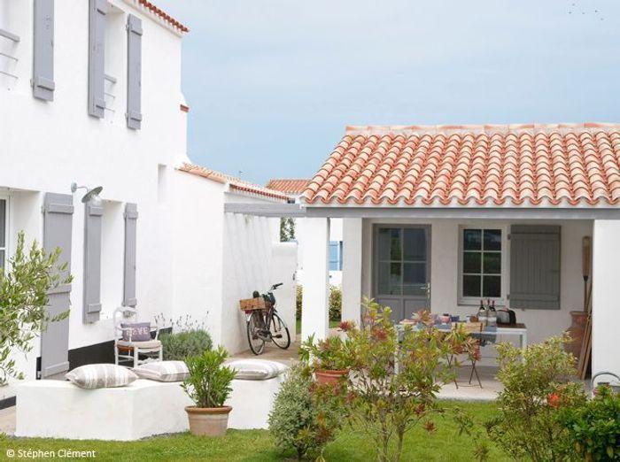 D couvrez les 50 plus belles maisons de vacances en france for Decoration linteau fenetre