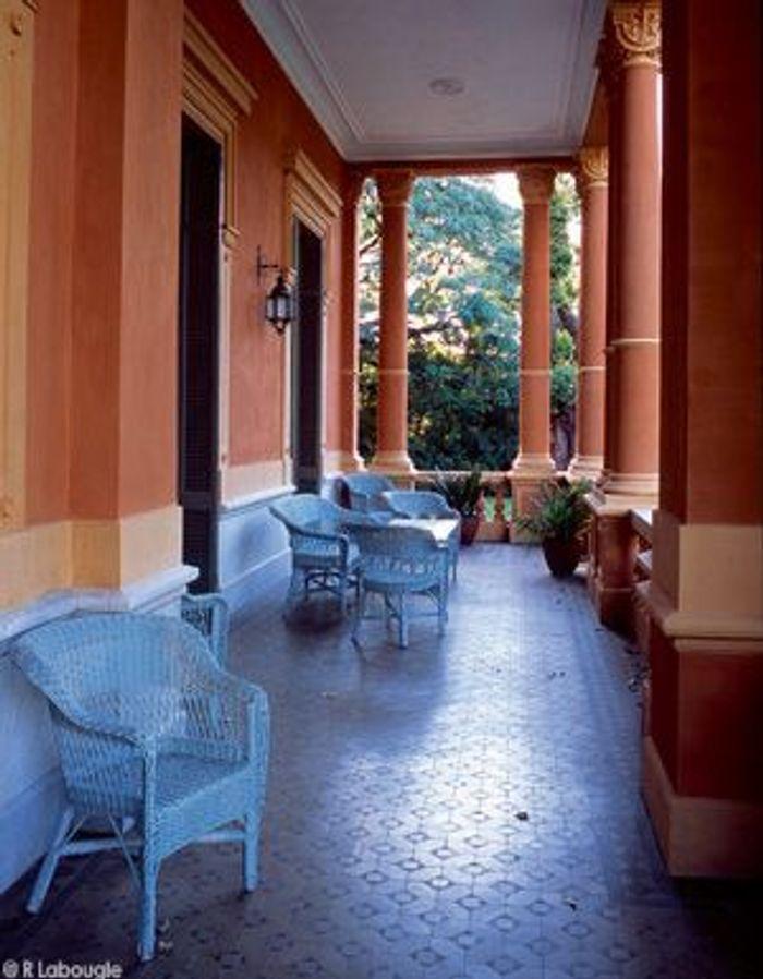 Visite priv e d co en argentine la maison d 39 une femme de for Finition de galerie exterieure