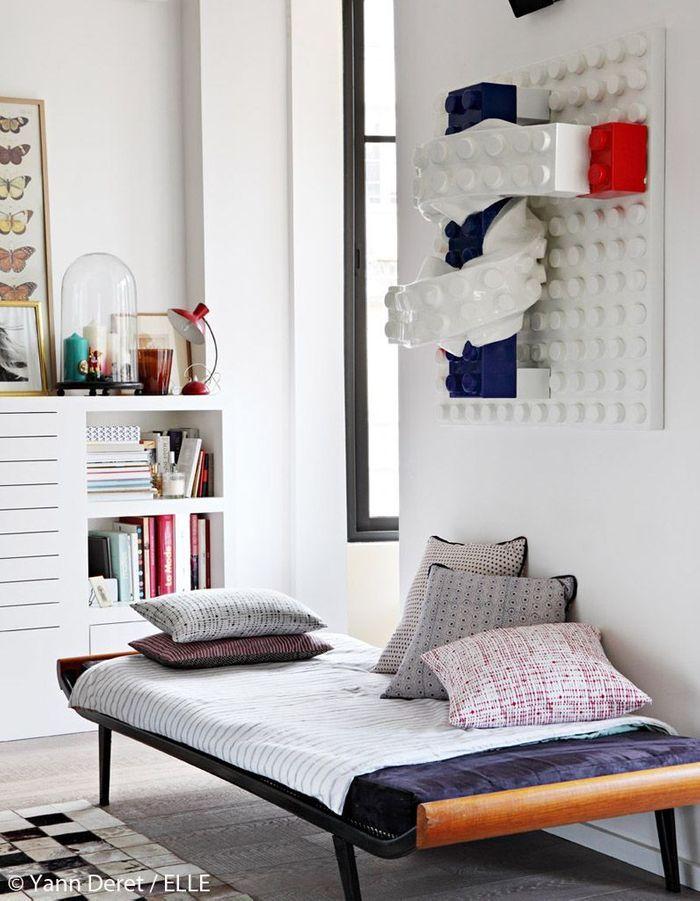 photos d 39 un appartement parisien modernis entre vintage et design elle d coration. Black Bedroom Furniture Sets. Home Design Ideas