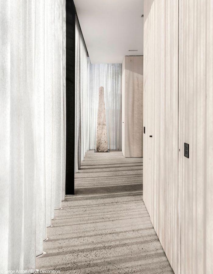 une ferme r nov e et sa maison d 39 h tes entre lumi re et b ton brut elle d coration. Black Bedroom Furniture Sets. Home Design Ideas