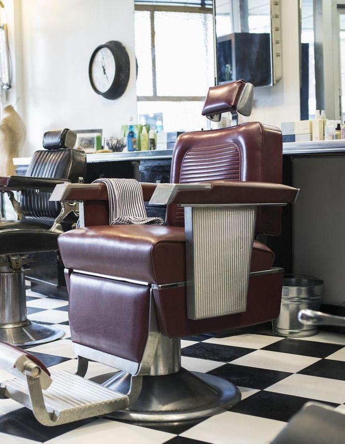 Un meuble de barbier