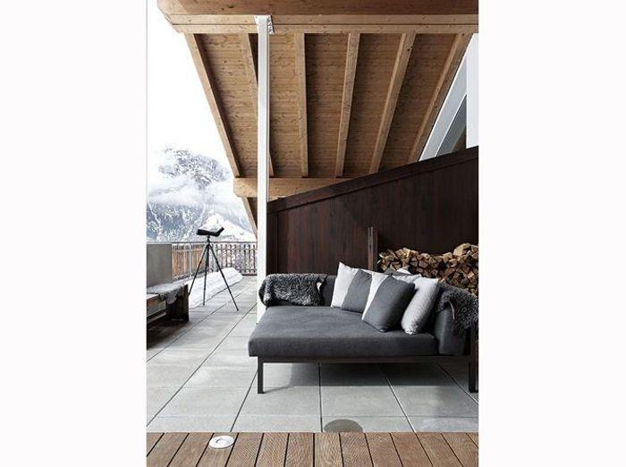 Une terrasse de chalet accueillante