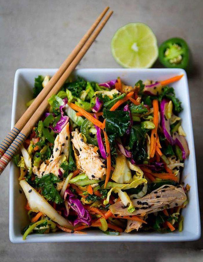 salade healthy salade tha e 11 salades l g res et color es pour tre en forme tout l t. Black Bedroom Furniture Sets. Home Design Ideas