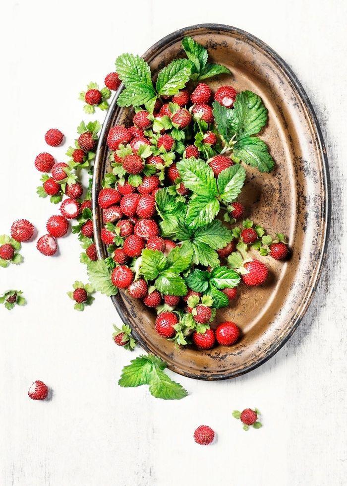 la fraise des bois quels fruits et l gumes de saison en ao t elle table. Black Bedroom Furniture Sets. Home Design Ideas