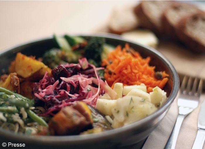 Rb assiette legumes les 10 secrets de rose bakery elle table - Assiette secret de gourmet ...
