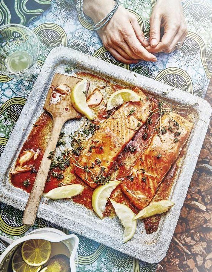 Saumon laqué à la sauce sriracha