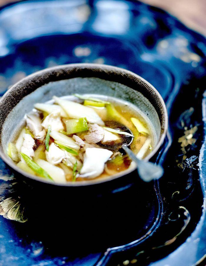 Soupe Parisienne au thé et poisson émietté