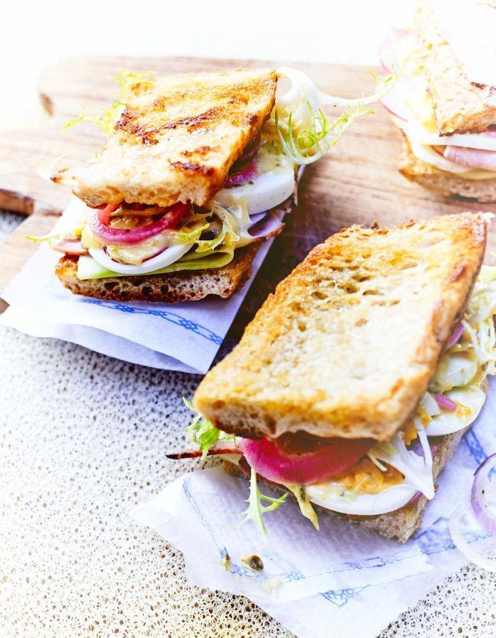Eggs sandwiches