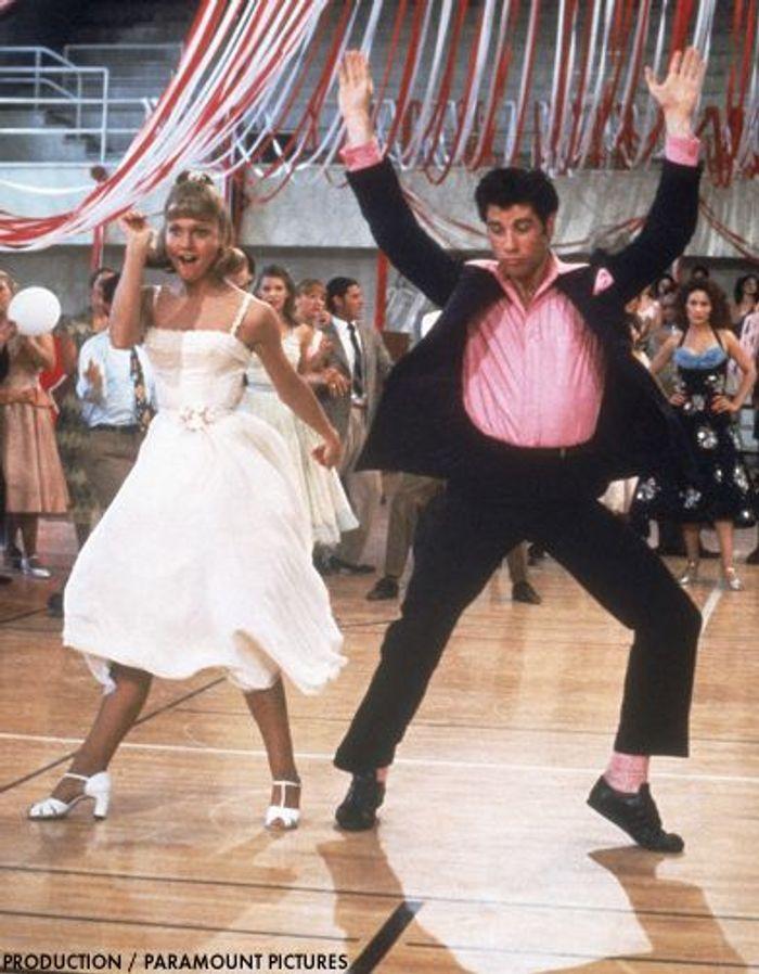 John Travolta et Olivia Newton-John dans « Grease »