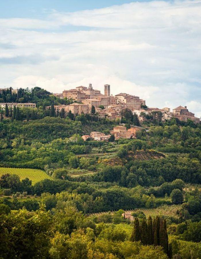 montepulciano en toscane les plus beaux villages d italie elle. Black Bedroom Furniture Sets. Home Design Ideas