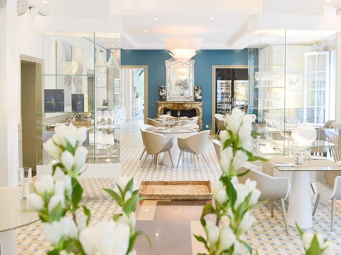 giverny le jardin des plumes restaurants romantiques nos adresses pr f r es en france elle. Black Bedroom Furniture Sets. Home Design Ideas