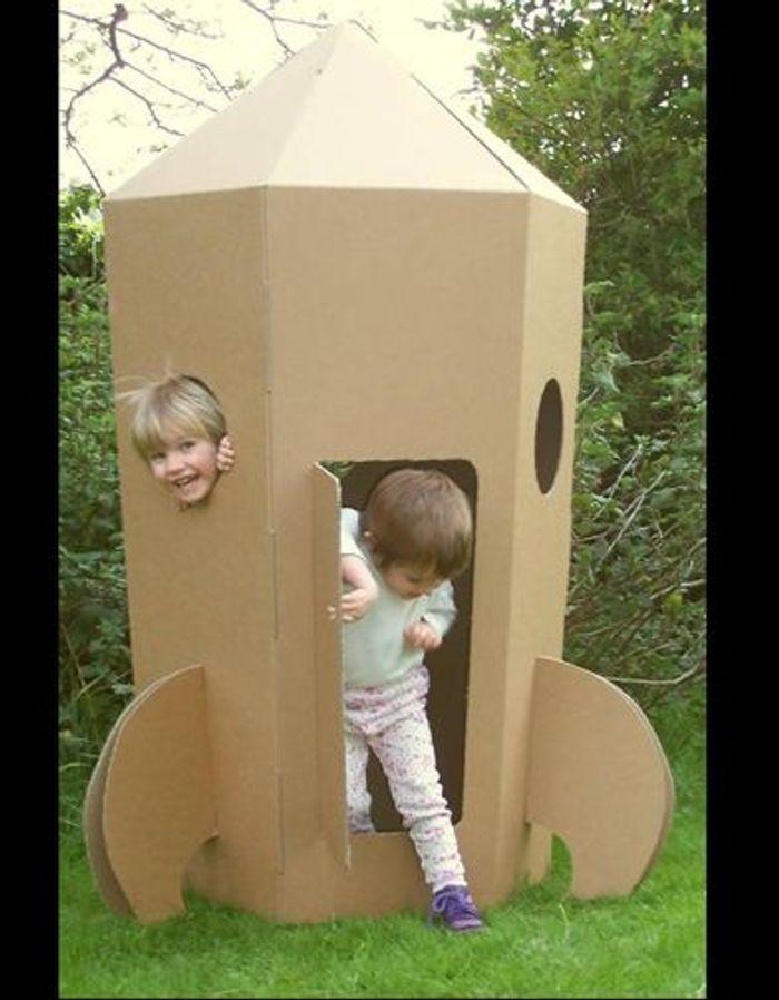 jouet en carton fusee ok1 jouets de l t 2010 elle. Black Bedroom Furniture Sets. Home Design Ideas