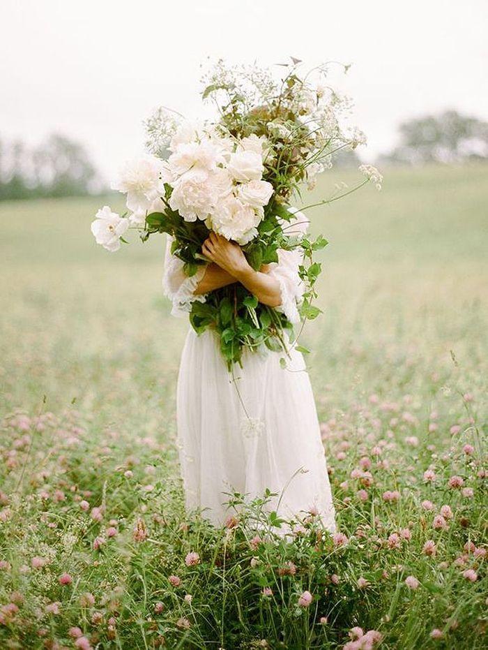 bouquet de fleurs blanches printani res 25 bouquets de. Black Bedroom Furniture Sets. Home Design Ideas