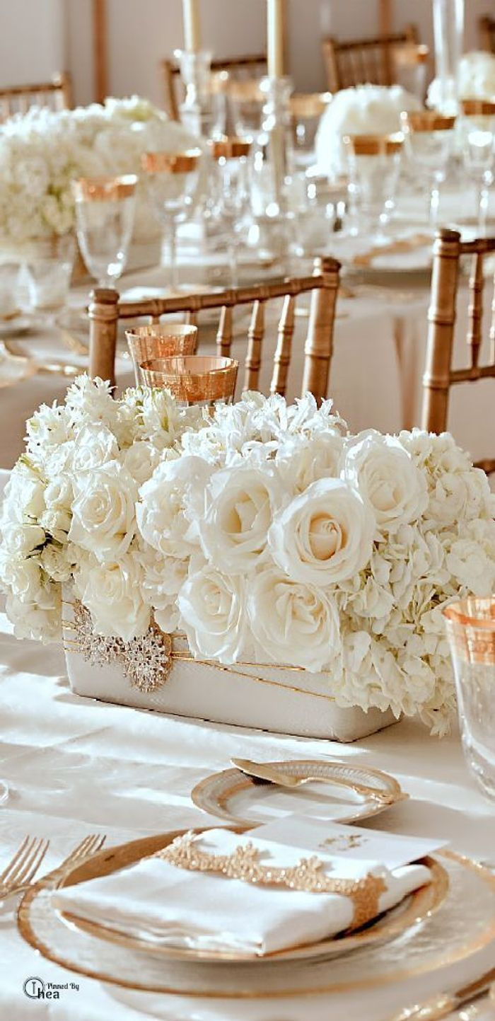 D coration de table de mariage blanc et or les for Decoration or rose