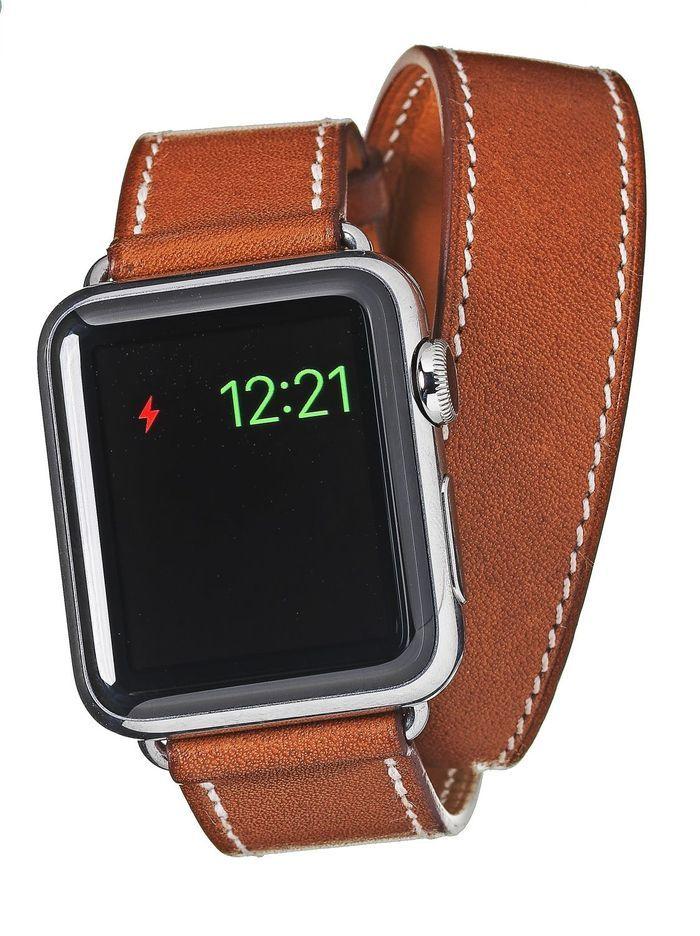montre connect e apple watch herm s 10 montres connect es qui remettent les pendules l 39 heure. Black Bedroom Furniture Sets. Home Design Ideas