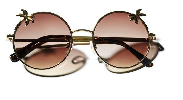 lunettes de soleil h m loves coachella les 25 pi ces h m. Black Bedroom Furniture Sets. Home Design Ideas