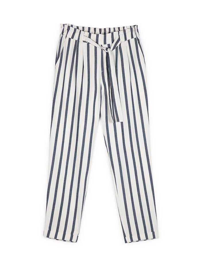 pantalon rayures stradivarius 20 pantalons pour travailler qui vont bien quel que soit le. Black Bedroom Furniture Sets. Home Design Ideas