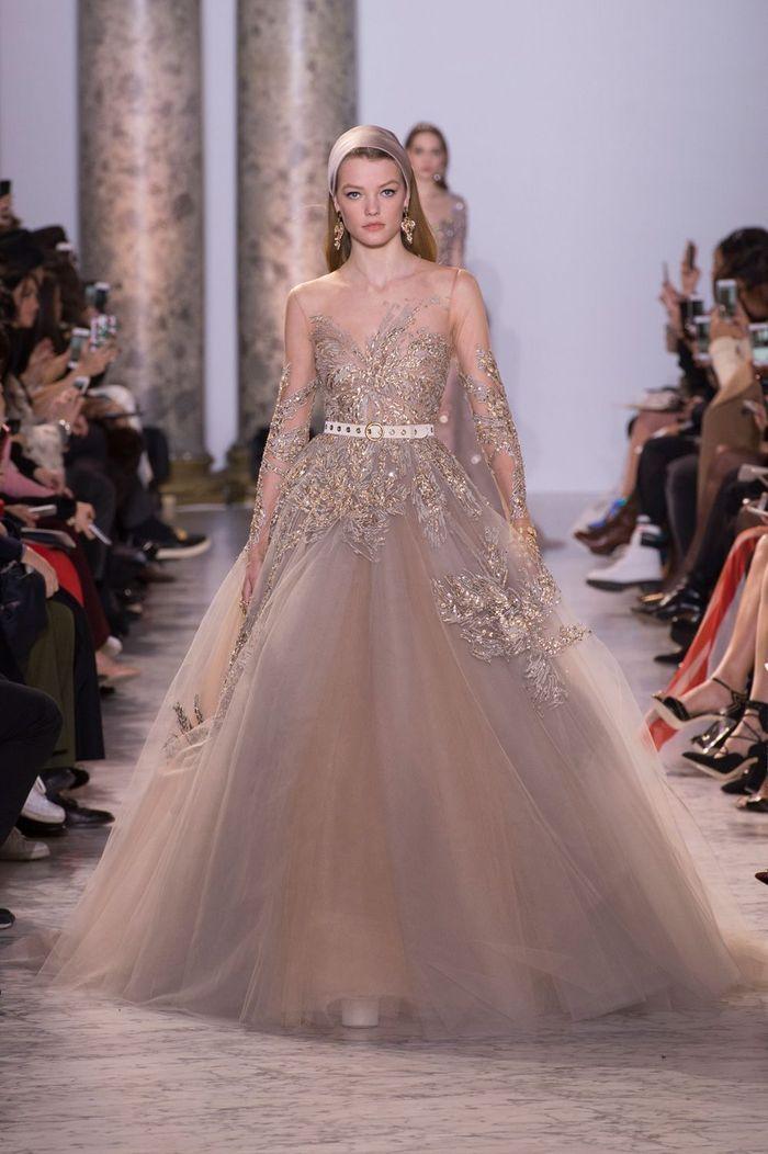 d fil haute couture elie saab la robe de bal nous emballe elle. Black Bedroom Furniture Sets. Home Design Ideas