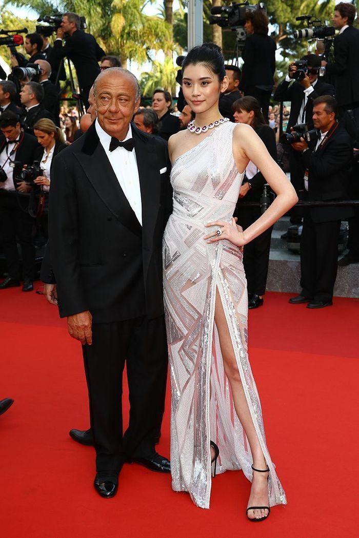 La robe fendue de Ming Xi