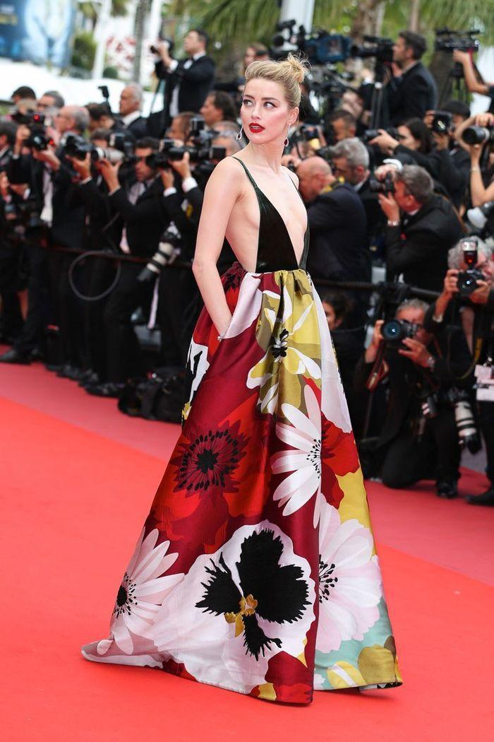 La robe fleurie d'Amber Heard