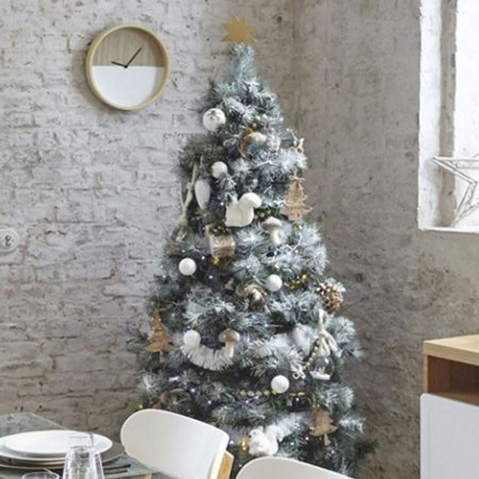 un sapin de no l blanc les 40 sapins de no l qu on copie elle. Black Bedroom Furniture Sets. Home Design Ideas