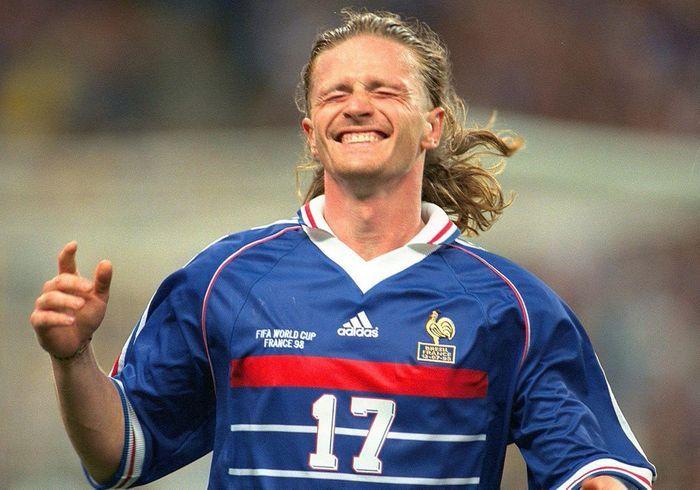 Emmanuel petit qui va remporter la coupe des coupes de cheveux de footballeurs elle - Emmanuel petit coupe du monde 1998 ...