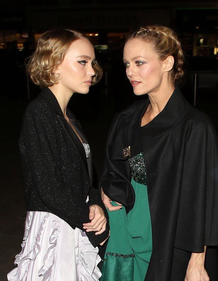 Lily Rose Depp Digne Heritiere De Vanessa Paradis Elle