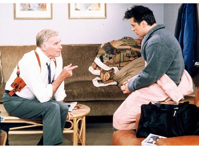 charlton heston rappelez vous ils ont tous jou dans friends elle. Black Bedroom Furniture Sets. Home Design Ideas