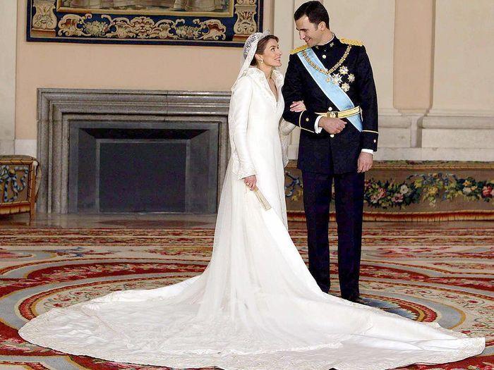 sa robe de mari e letizia d espagne dans le dressing de