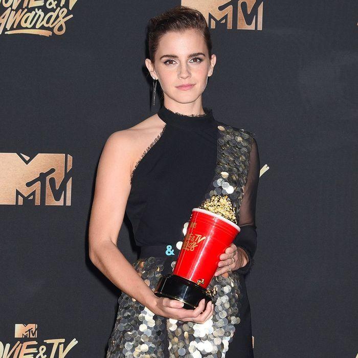 Emma Watson, Cara Delevingne… Qui était la plus stylée aux MTV Movie Awards ?