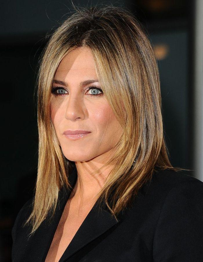 Le Carru00e9 Long Doru00e9 De Jennifer Aniston En 2014 - Lu2019u00e9volution Coiffure De Jennifer Aniston - Elle