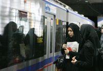 Elle défie le gouvernement iranien en dansant dans le métro